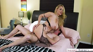Client Julia Ann fucking concerning the bedroom with her confidential
