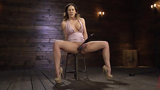 Stunning mom uses the toys in solo bondage