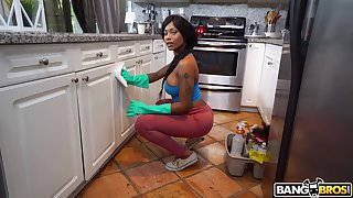 Round butt ebony cleaner Sarai Minx takes domineering wide have sexual connection