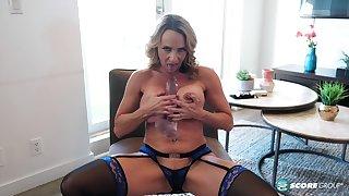 Super Milf Gets Her Ass Ready - Kenzi Foxx