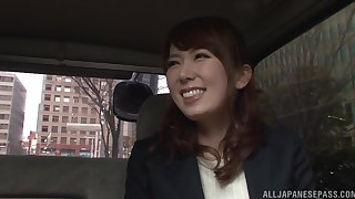 Japanese businesswoman Hatano Yui fingered in a car clothed
