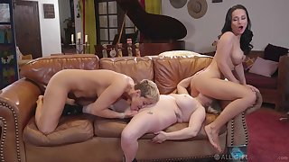 Full lesbian triplet between Ryan Keely, Aiden Starr and Drinking-glass Rush