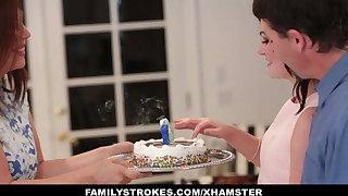 familyStrokes - Bonking  dad While Mom Cooks