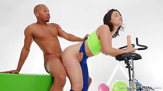 Hottie LaSirena69 gets her big ass oiled before hot anal fuck at one's fingertips the gym