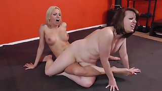 Milf Lesbians Trib And Rough Sex Fight Before Duo Fucks With A Dildo And Pussy Eating