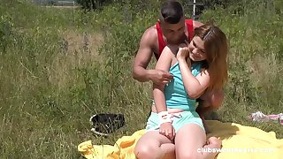 Erotic alfresco fun with a chubby ass teenager thirsty for weasel words