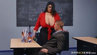 BBW teacher is sharp-witted everywhere ravishing this man's cock