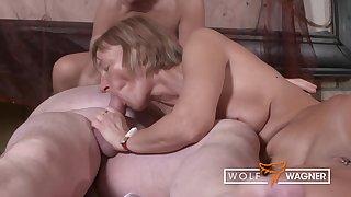 Hot Swinger Partywith Granniesand Grandpas - Porno Klau