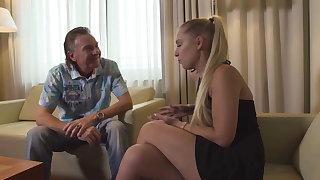 Deutsches Teen Lena Nitro auf der Casting Vis-�-vis