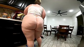 Meaty Backside Cleaning Live-in lover